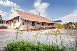Tornácos Vendégház Sarud  - családi nyaralás csomag