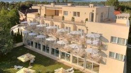 Két Korona Konferencia és Wellness Hotel  - családi nyaralás csomag
